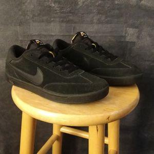 Used men's size 9 Nike SB